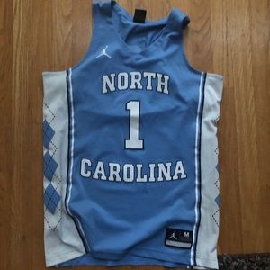 UNC BASKETBALL JERSEY MEDIUM